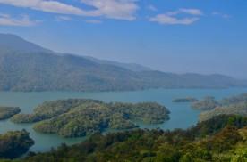 Thenmala dam water